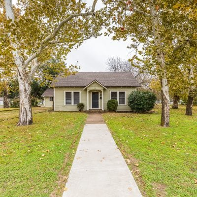 912 N College Avenue, West, TX 76691