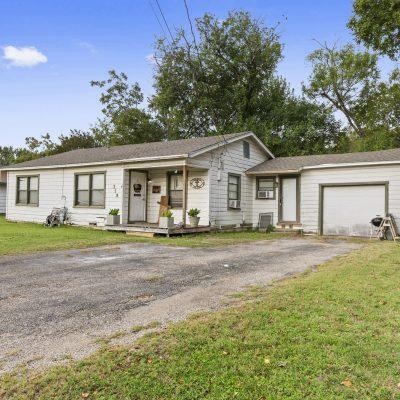 318 S. Charles St., Elm Mott, TX 76640
