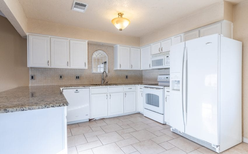 Charming 3/2 in Midway ISD - Jana E  Nors Real Estate