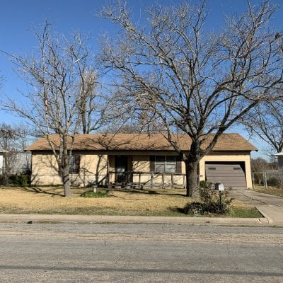 607 E Pine Street, West, TX 76691